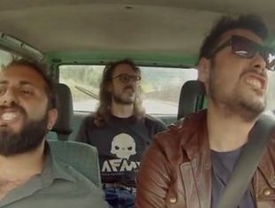 Vídeo de canal de humor italiano foi reproduzido mais de 7 milhões de vezes em dois dias. Música de Luis Fonsi é a primeira em espanhol que chega ao número 1 dos sucessos dos EUA desde  Macarena