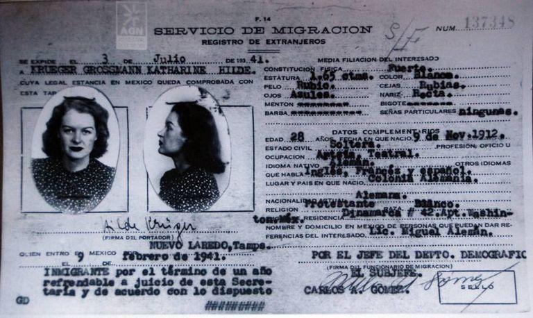 Ficha migratória de Hilda Krüger no México.