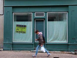 Uma loja fechada em Nevers, esta semana