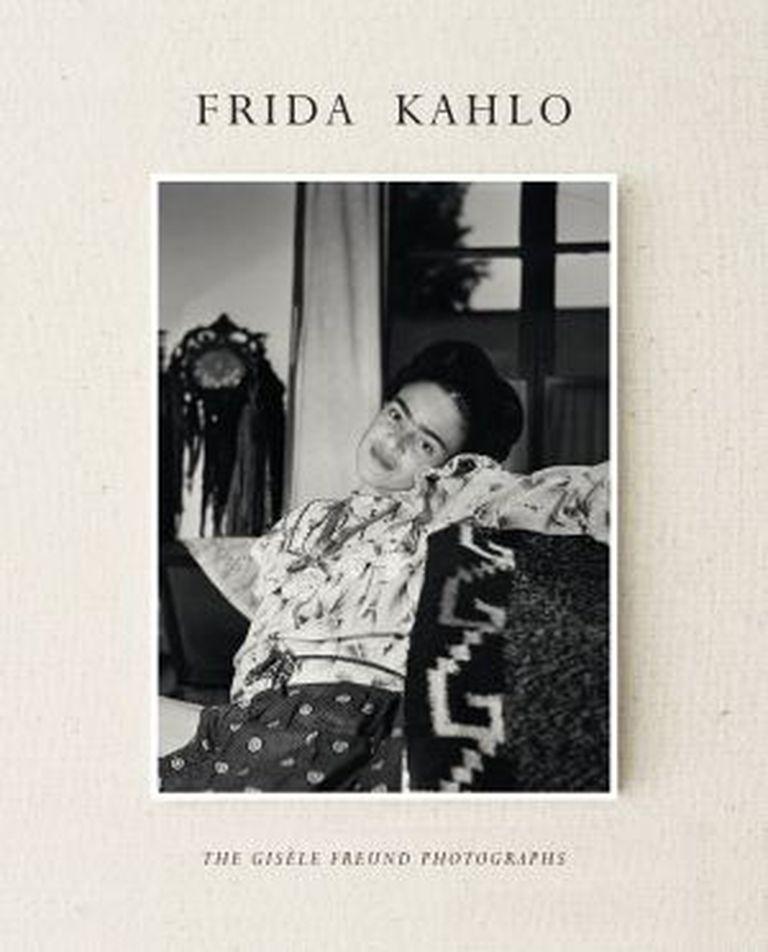 Capa do livro 'Frida Kahlo: The Giséle Freund Photographs'.