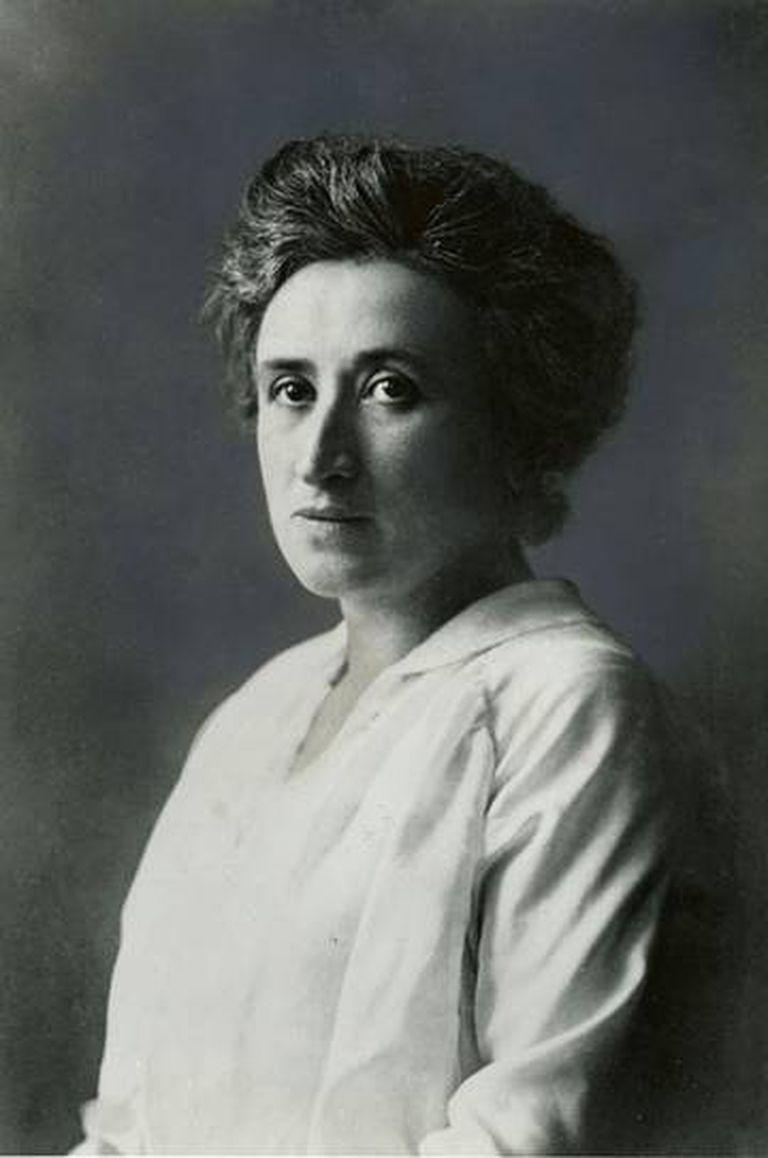 Retrato de Rosa Luxemburgo.