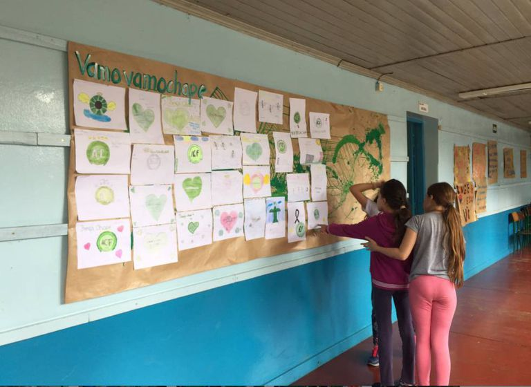 Alunas na Escola Marechal Bormann, em Chapecó.