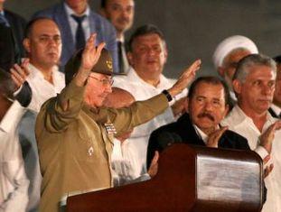 O presidente cubano encerra as honras fúnebres na Praça da Revolução em Havana