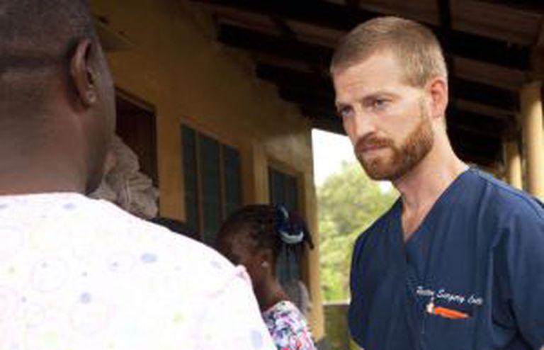 O doutor Kent Brantly, de 33 anos, infectado pelo ebola na Libéria.