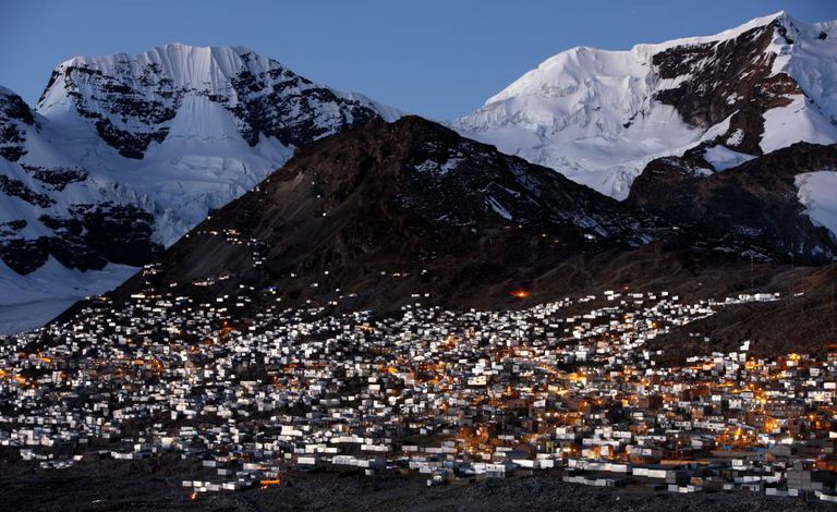 A cidade mineira de La Rinconada, nos Andes peruanos, a 5.099 metros de altura