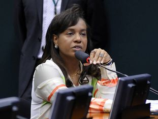Tia Eron, no Conselho de Ética.