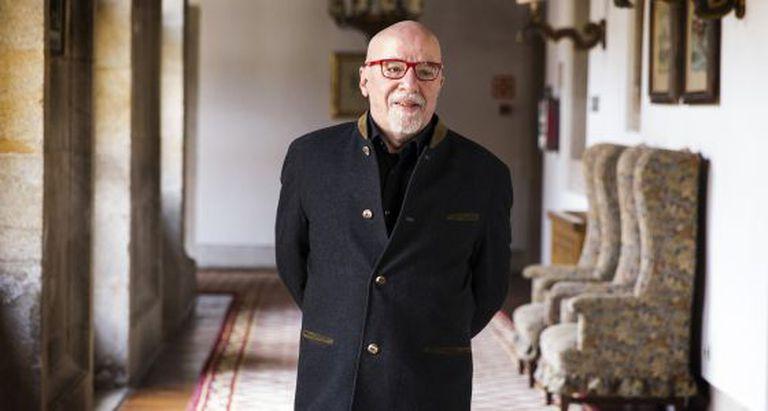 Paulo Coelho, na Hospedaria dos Reis Católicos, em Santiago.