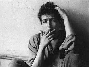 Bob Dylan em 1962, ano das gravações inéditas recentemente recuperadas.