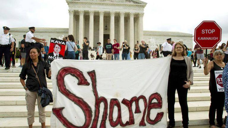 Protesto em frente à Suprema Corte neste sábado