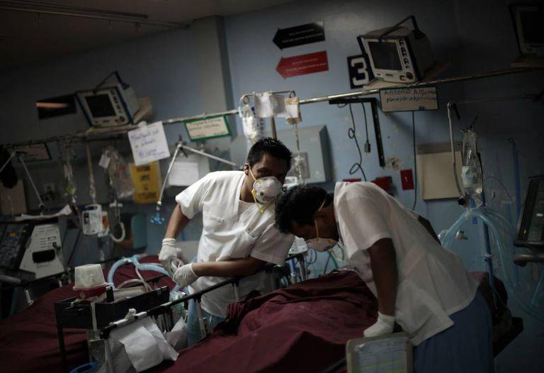 Equipe médica no Hospital San Juan de Deus em Guatemala.