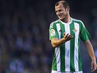 Zozulya, durante um jogo pelo Betis.