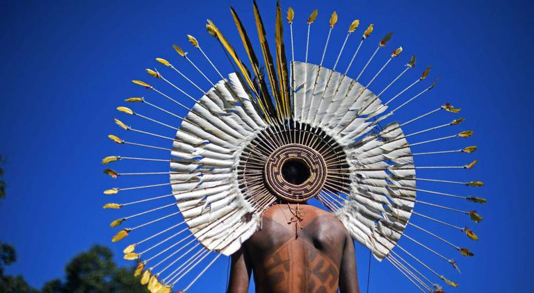Indígena no Acampamento Terra Livre, em Brasília.