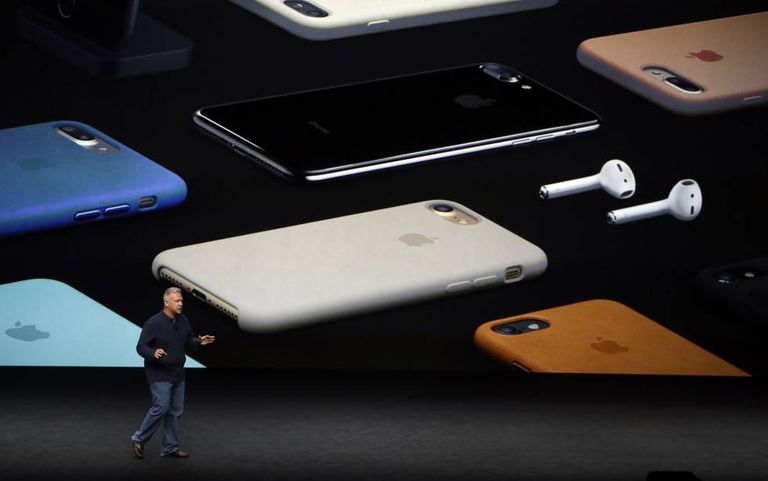 Phil Schiller, vice-presidente da Apple, durante a apresentação do iPhone 7.