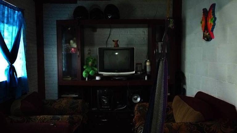 A sala da casa onde vivia Óscar e sua família no bairro Altavista de San Salvador.