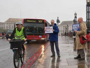 Campanha em favor da permanência do Reino Unido na UE, nesta segunda-feira, em Londres.