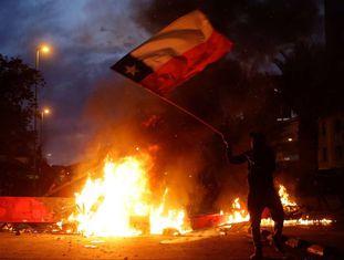 Manifestantes protestam no Chile.
