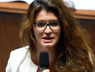 A secretária de Estado para a Igualdade, Marlène Schiappa, fala à Assembleia Nacional francesa, em julho