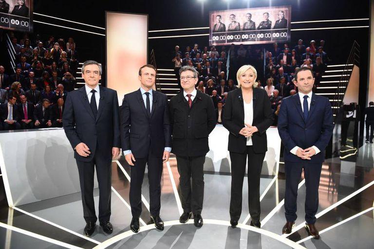 Os cinco candidatos antes do debate.