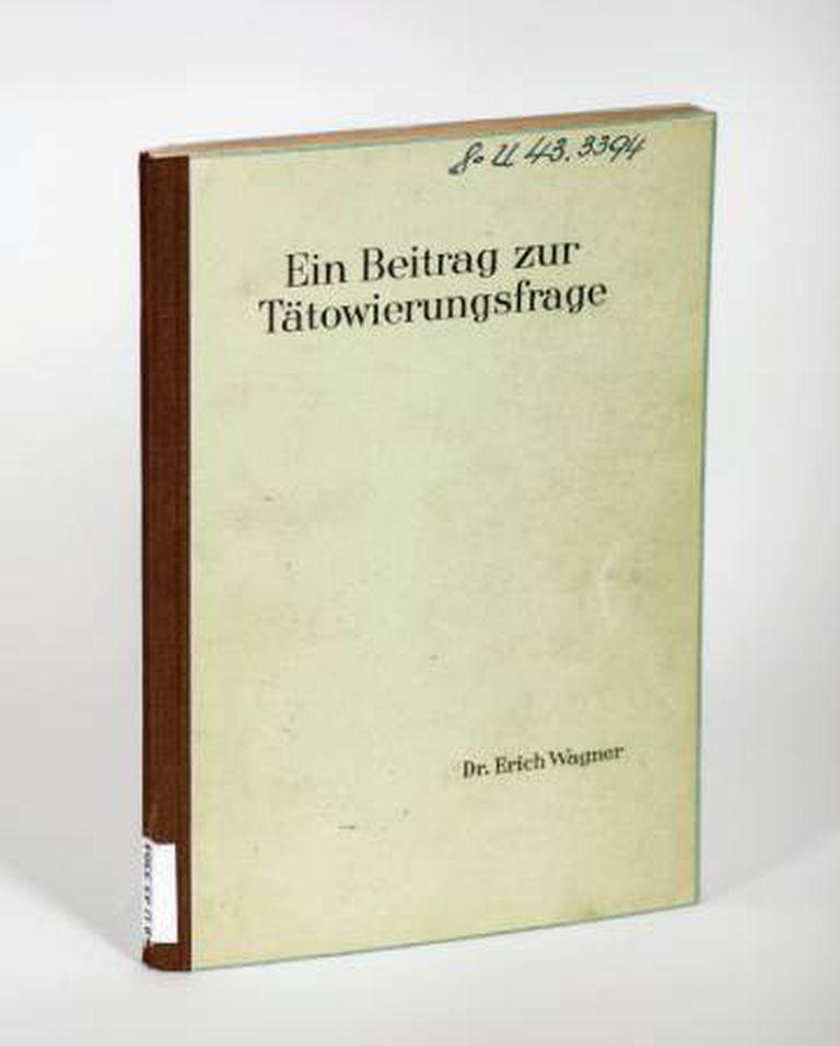 """Exemplar da tese 'Sobre o Tema das Tatuagens"""", na Universidade de Jena"""