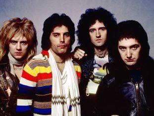 Enquanto sua vida arrasa nas bilheterias com 'Bohemian Rhapsody', o melhor amigo de Mercury no grupo vive outro tipo de sucesso
