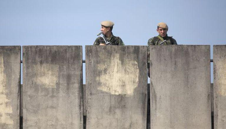Militares no entorno do hotel onde a seleção do Irã está hospedada em Guarulhos.
