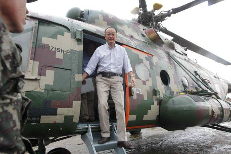 Jim Yong Kim, ao aterrissar em Oxapampa (Peru).