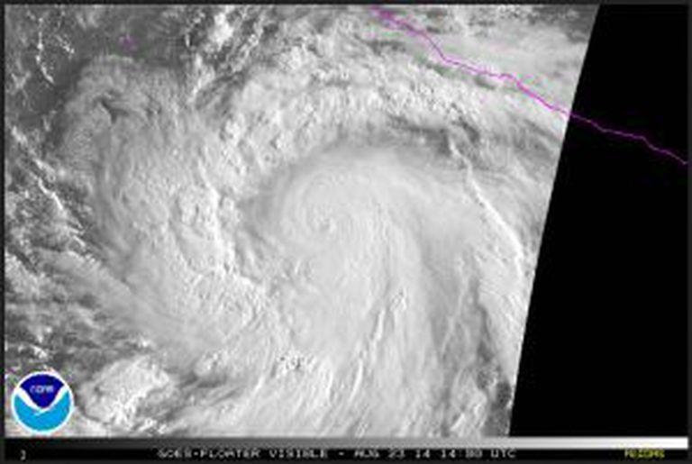 Imagens do furacão Marie.
