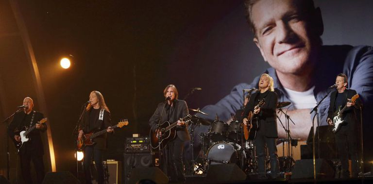 Jackson Browne e os Eagles homenagearam Glenn Frey.