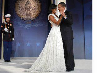 O casal presidencial abre o baile inaugural em janeiro de 2009.