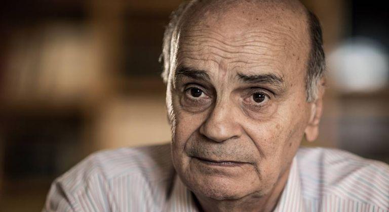 Drauzio Varella em seu consultório em São Paulo.