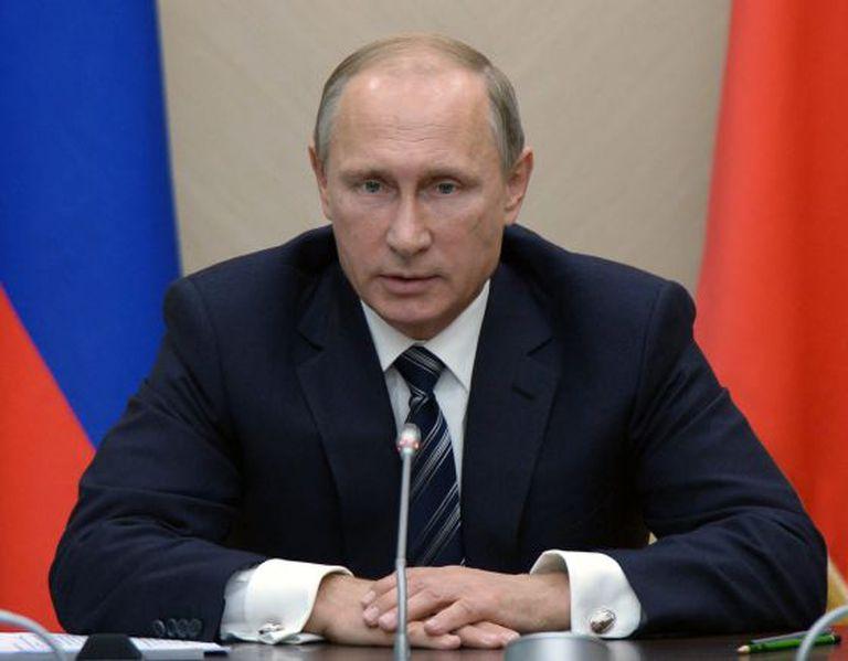 Vladimir Putin durante uma reunião na quarta-feira em Moscou com membros de seu Governo.