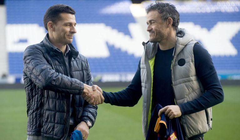 Galca e Luis Enrique selam a paz entre os rivais.