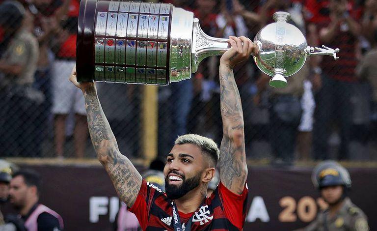 "Ex-jogador enaltece Gabigol e destaca: ""Achou o papel de ídolo dentro do Flamengo"""