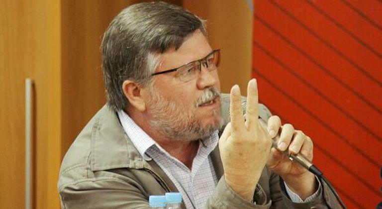 O deputado Assis do Couto.