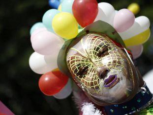 Participante da Parada LGBT neste domingo, em São Paulo.
