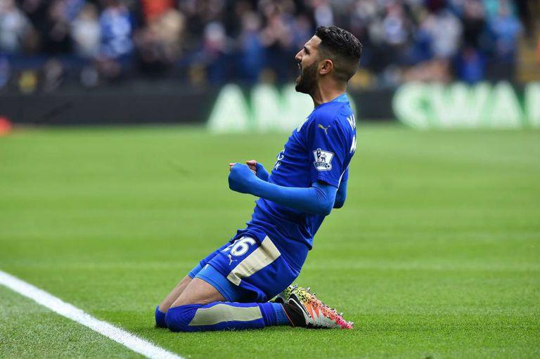 Mahrez comemora gol contra o Swansea.
