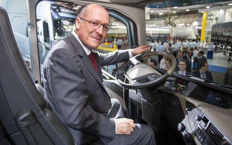 Governador Geraldo Alckmin visita a FENATRAM e o Salão Internacional do Transporte Rodoviário de Carga, em novembro.