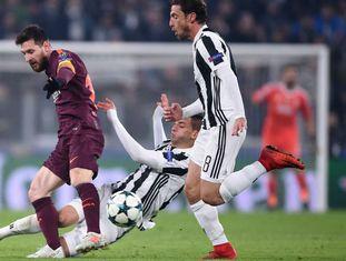 Messi teve pouco tempo para jogar na Itália e ainda sofreu com a marcação da Juventus.