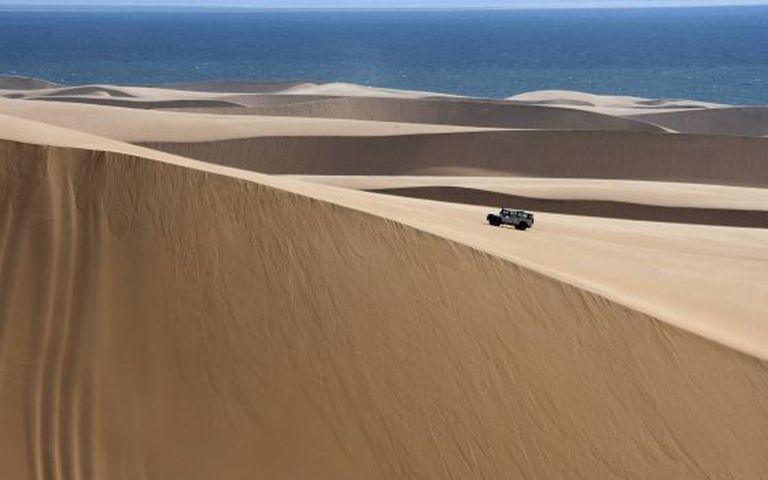 Roteiro off road pelas dunas do deserto de Namib, na Namíbia.