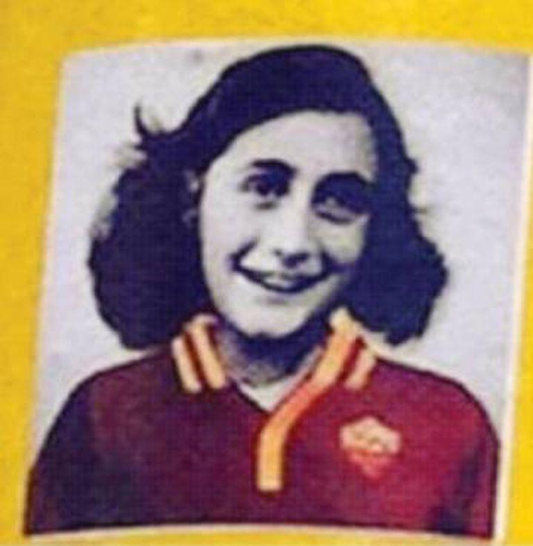 Foto de Anne Frank com a camisa da Roma