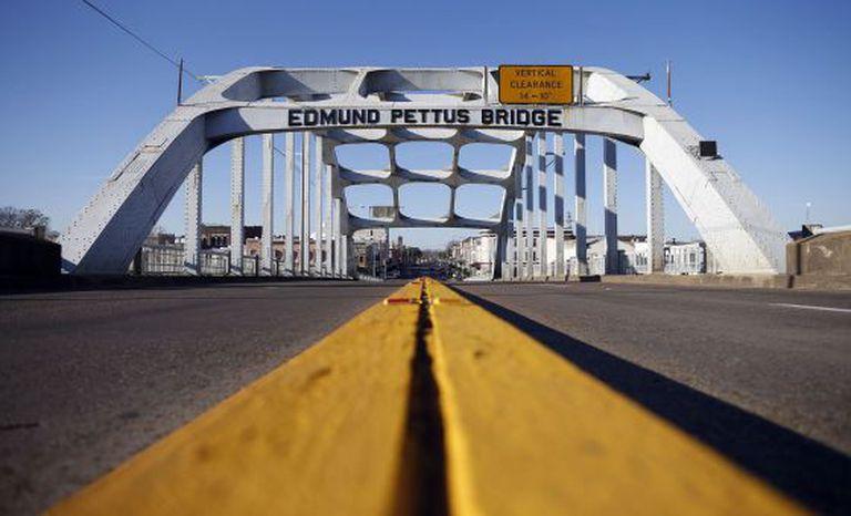 A ponte Edmund Pettus de Selma, Alabama, atualmente.