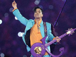 Prince, em show no intervalo do Super Bowl 2007.