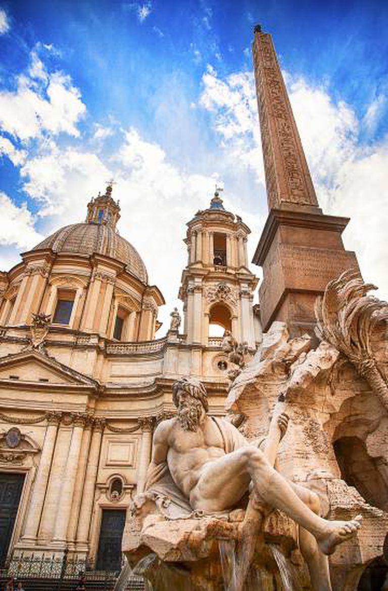 A fonte da Piazza Navona, em Roma, foi imaginada por Borromini, mas o projeto acabou sendo feito por Bernini.