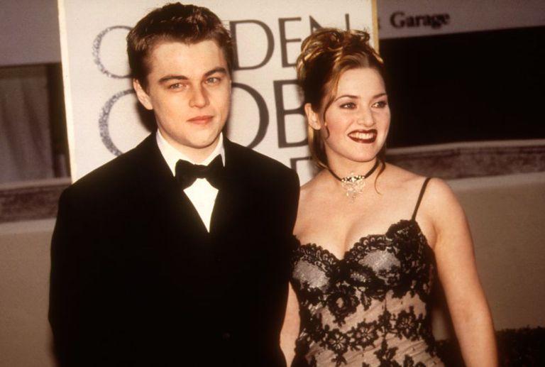DiCaprio e Winslet no tapete vermelho do Globo de Ouro de 1998. Cordon Press.