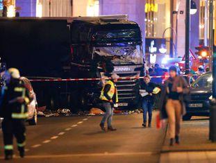 Caminhão que atropelou várias pessoas em um mercado em Berlim