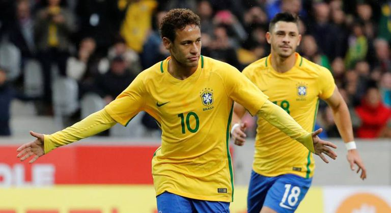 Neymar deixa sua marca em amistoso contra o Japão.