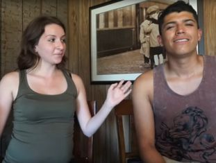 Monalisa Pérez e Pedro Ruiz, em um de seus vídeos para o Youtube