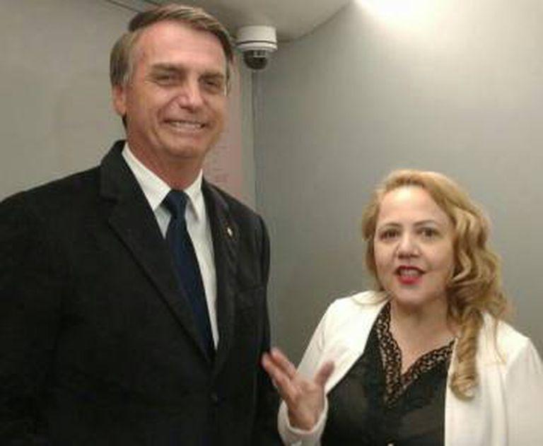 Presidente Jair Bolsonaro e a pastora Jane Silva.