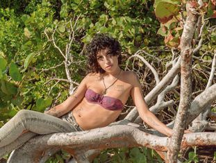 A cantora Amy Winehouse, em uma imagem inédita publicada no livro 'Amy Winehouse by Blake Wood'.