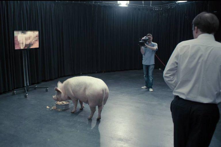 'O Hino Nacional', primeiro episódio da primeira temporada.